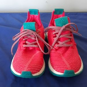 Lightly worn adidas sneakers woman size 7